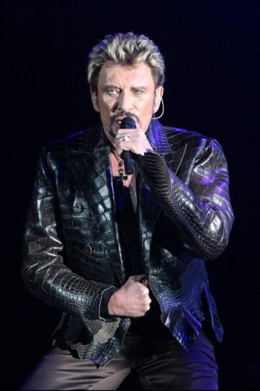 tenues de sc ne de johnny hallyday bercy 2003 plus pr s de vous. Black Bedroom Furniture Sets. Home Design Ideas