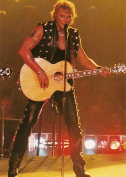 Tenues de scène de Johnny Hallyday — Guitares : Washburn